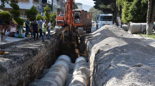 Cumhuriyet Caddesi Tek Yön Altyapı Çalışması Yüzde 83 Tamamlandı