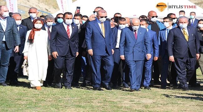 Malazgirt Zaferi'nin 949. Yıl Dönümü Etkinlikleri! Erdoğan Ve Bahçeli'nin Ahlat Ziyareti
