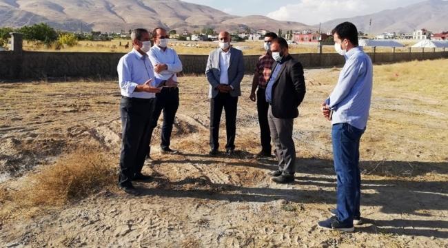Adilcevaz'da Spor Kompleksi Çalışmaları Yerinde İncelendi