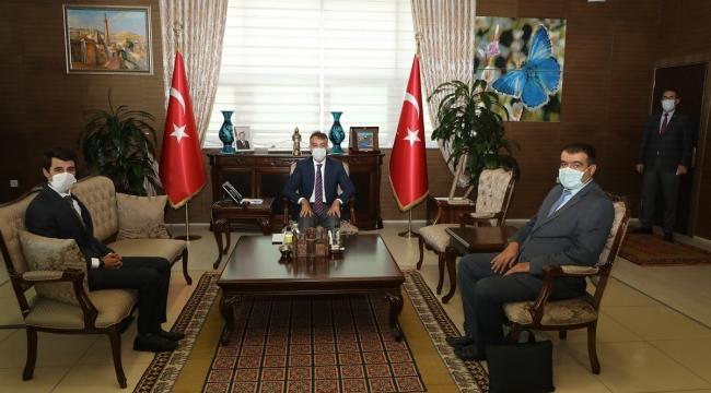 Adilcevaz Türkiye Dil Ve Edebiyat Derneği Şube Başkanından Vali Çağatay'a Ziyaret