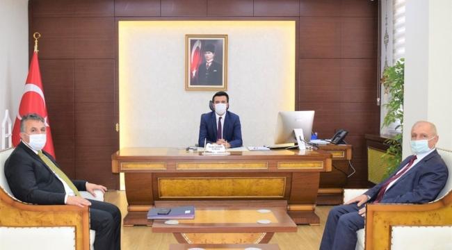 Bitlis Karayolları Şube Şefi Remzi Duruk, Kaymakam Necdet Özdemir'i Ziyaret Etti