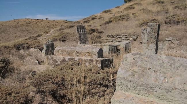 Tarihi Tatvan Engesor (Dalda) Köyü Mezarlığı