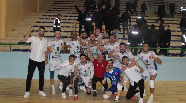 Maç Sonucu! Yeni Kızıltepe Spor 2- 3 Adilcevaz TÜRŞAD