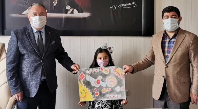 Bitlisli Minik Öğrenci TÜRKSAT 5A'yı Resme Döktü
