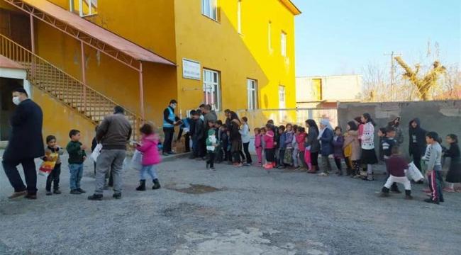 Türkiye Diyanet Vakfı'nın ''İlmek İlmek İyilik Projesi'' Tatvan'da Hayat Buldu