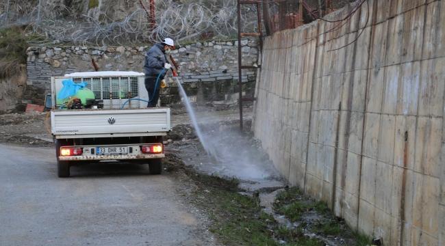 Bitlis Belediyesi Bitlis'te İlaçlama Çalışmaları Devam Ediyor