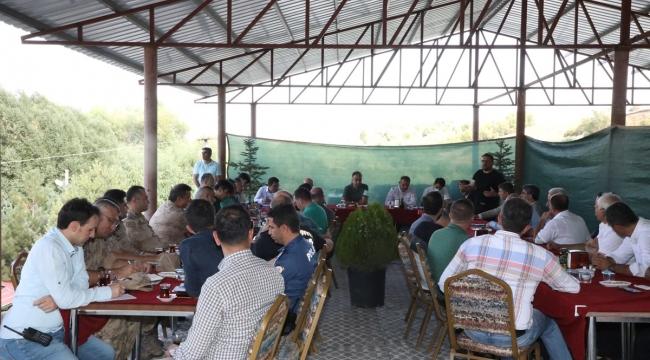 Ahlat'ta Malazgirt Zaferinin 950. Yıldönümü Dolayısıyla Yapılacak Ahlat Şenliklerinin Koordinasyon Toplantısı Yapıldı
