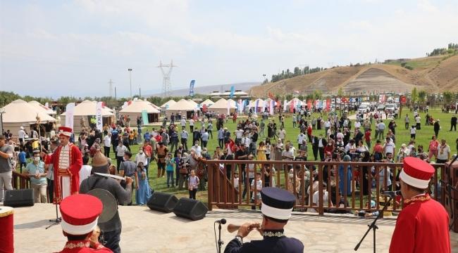 Vali Çağatay, Ahlat Etkinliklerinin Açılış Programına Katıldı