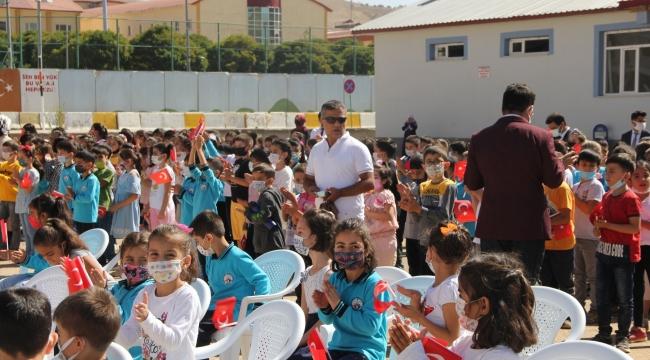 Bitlis'te 2020-2021 Eğitim Öğretim Yılı İlköğretim Haftası Kutlaması Yapıldı