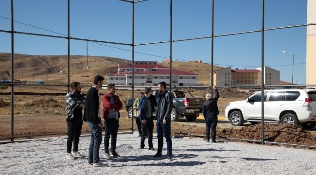 Bitlis'te Semt Sahaların Yapımına Başlandı
