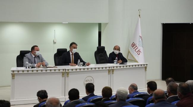Bitlis'te Muhtarlar Toplantısı Yapıldı